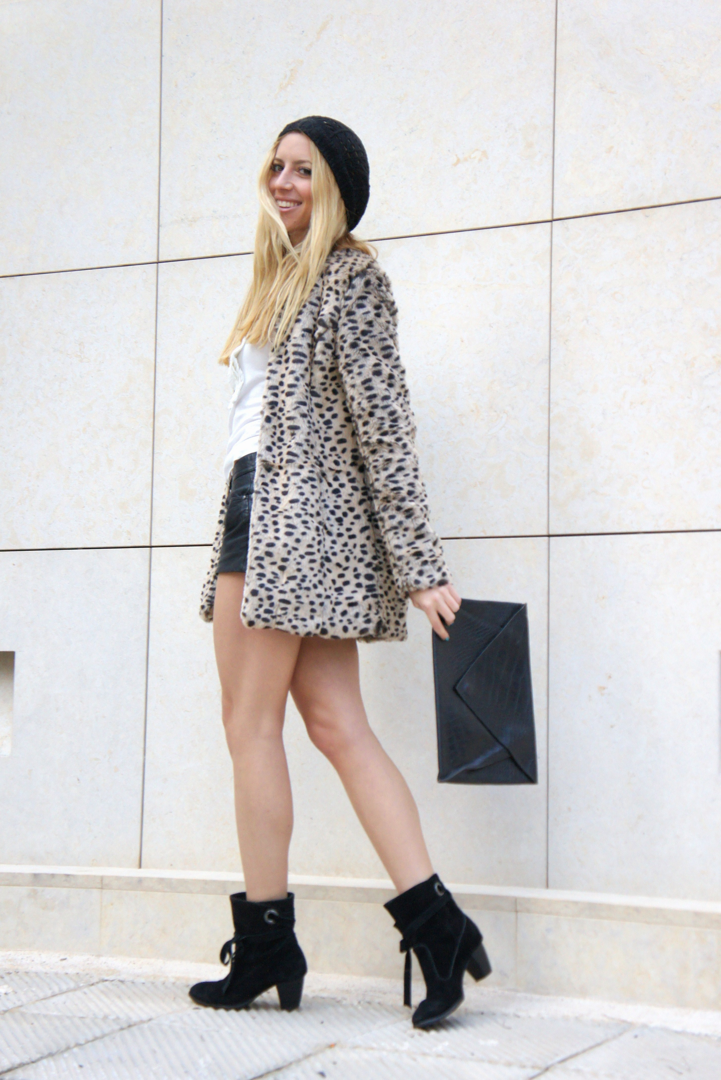 44c7467c987e Wearing leopard coat Pull & Bear, leather shorts and ruffled top Zara,  black beanie and metallic green nail polish H&M, croc clutch vintage,  leather booties ...